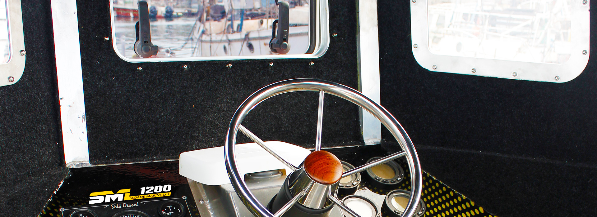 image showing the SML 1200 wheelhouse featuring its high visibility design